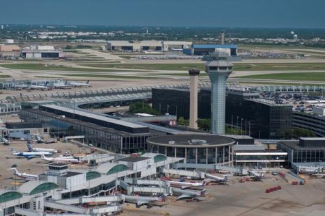 O'Hare international workers go on strike for $15 wage